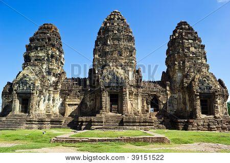 Phra Prang Sam Yot, Ancient Architecture In Lop Buri
