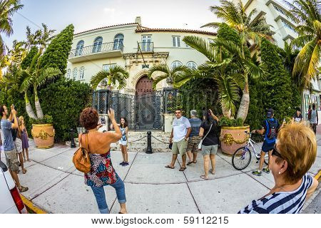 Versace Mansion At Ocean Drive