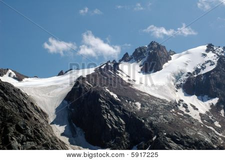 snows mountain