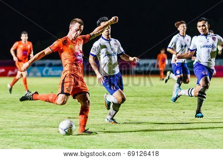 Sisaket Thailand-july 23: Brent Mcgrath Of Sisaket Fc. (orange) Shooting Ball During Thai Premier Le