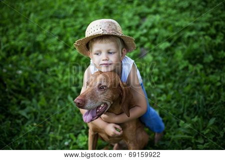 Child love his dog