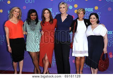 LOS ANGELES - JUN 09:  Heather Kadin, Mindy Kaling, Chelsea Peretti, Jane Lynch, Yeardl arrives to the FOX's