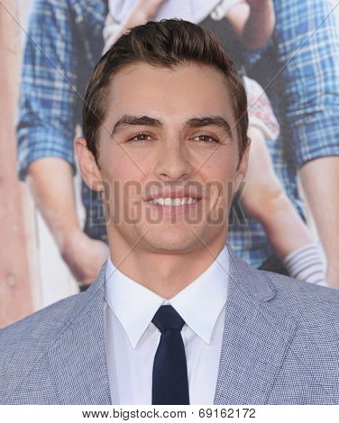 LOS ANGELES - APR 13:  Dave Franco arrives to the