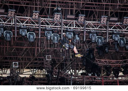 Stage Riggers