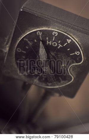 Vintage Temperature Regulator