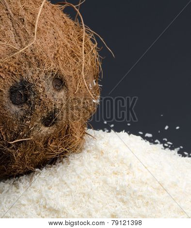 Desiccated Coconut And Whole Coconut