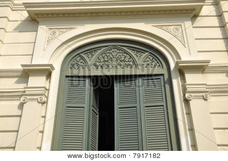Green Vent Door Pattern Arch