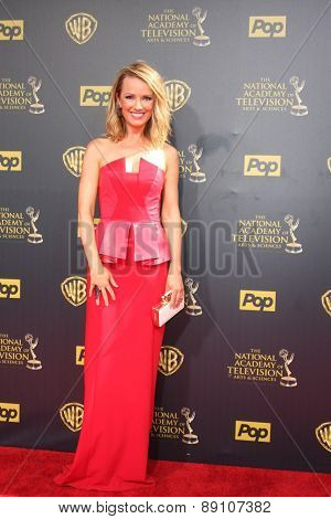 LOS ANGELES - APR 26:  Brooke Anderson at the 2015 Daytime Emmy Awards at the Warner Brothers Studio Lot on April 26, 2015 in Burbank, CA