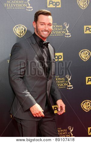 LOS ANGELES - APR 26:  Eric Martsolf at the 2015 Daytime Emmy Awards at the Warner Brothers Studio Lot on April 26, 2015 in Burbank, CA