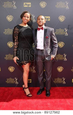 LOS ANGELES - APR 26:  Tequan Richmond, mother at the 2015 Daytime Emmy Awards at the Warner Brothers Studio Lot on April 26, 2015 in Burbank, CA