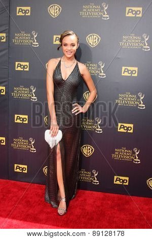 LOS ANGELES - APR 26:  Reign Edwards at the 2015 Daytime Emmy Awards at the Warner Brothers Studio Lot on April 26, 2015 in Burbank, CA