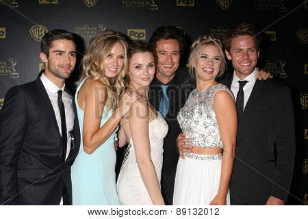 LOS ANGELES - APR 26:  Max Erlich, Melissa Ordway, Hunter King, Matthew Atkinson, Kelli Goss, Lachlan Buchanan at the 2015 Daytime Emmy Awards at Warner Bros on April 26, 2015 in Los Angeles, CA