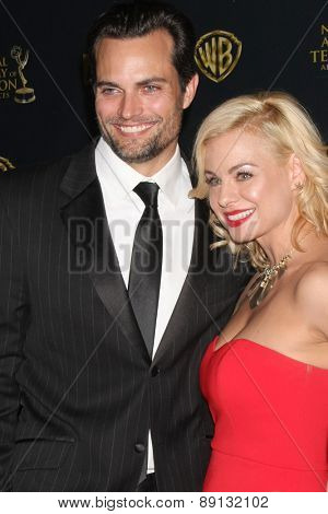 LOS ANGELES - APR 26:  Scott Elrod, Jessica Collins at the 2015 Daytime Emmy Awards at the Warner Brothers Studio Lot on April 26, 2015 in Los Angeles, CA