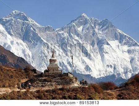 Stupa Near Namche Bazar And