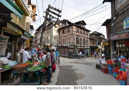 Street Bazaar From Srinagar - Jammu And Kashmir