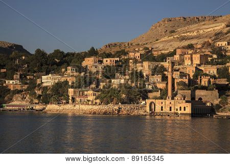 New Halfeti And The River Euphrates