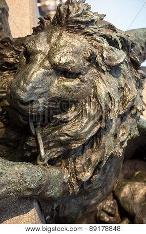 lion statue venice
