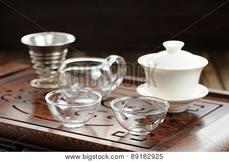 China Tea Ceremony With Haiwan And Glass Teaware