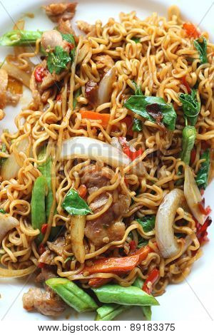 Stir Fried Noodle Spicy In Pork