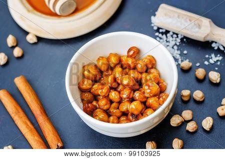 Roasted Honey Cinnamon Chickpeas