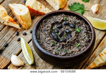 Black Beans Hummus