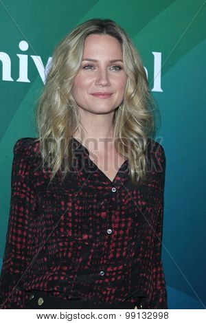LOS ANGELES - AUG 13:  Jennifer Nettles at the NBCUniversal 2015 TCA Summer Press Tour at the Beverly Hilton Hotel on August 13, 2015 in Beverly Hills, CA