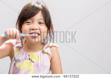 Child Brushing Teeth Background / Child Brushing Teeth / Child Brushing Teeth Studio Isolated