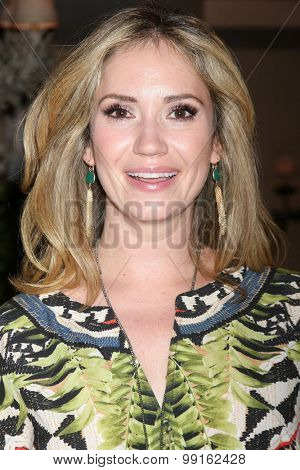 LOS ANGELES - AUG 14:  Ashley Jones at the Bold and Beautiful Fan Event Friday at the CBS Television City on August 14, 2015 in Los Angeles, CA
