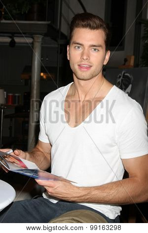 LOS ANGELES - AUG 14:  Pierson Fode at the Bold and Beautiful Fan Event Friday at the CBS Television City on August 14, 2015 in Los Angeles, CA