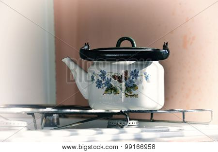 Old White Kettle