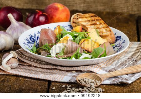 Rocket Salad With Prosciutto And Fruit