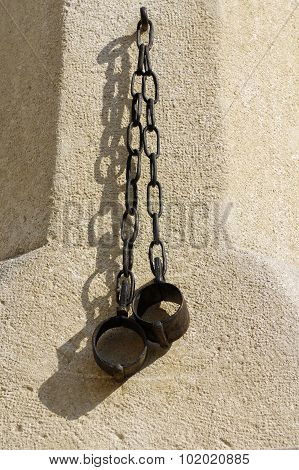 shackles pillory