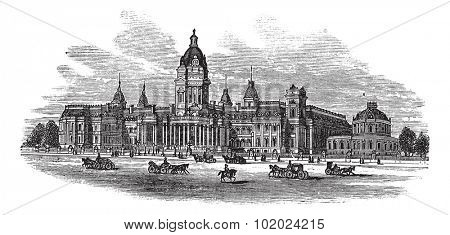 San Francisco City Hall in America, during the 1890s, vintage engraving. Old engraved illustration of San Francisco City Hall with moving carts in front. Trousset encyclopedia (1886 - 1891).