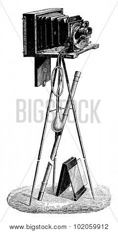 Photographic case of Mr. French, vintage engraved illustration. Industrial encyclopedia E.-O. Lami - 1875.