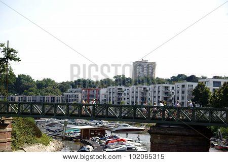 Victor-Hugo-shore Mainz