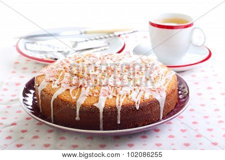 Sponge Cake With Lemon Glaze