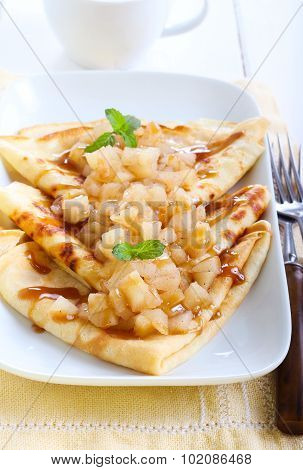 Pear, Cinnamon And Caramel Crepes