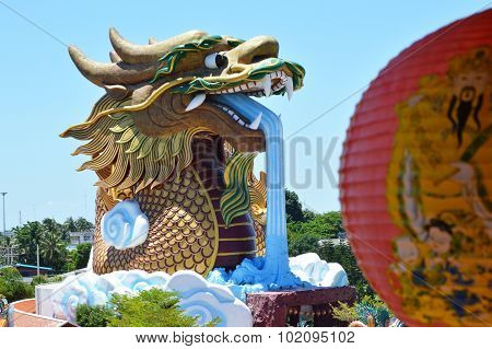 dragon spurting water