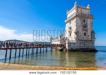 Tourist Queue At  Belem Tower  In Lisbon, Portugal