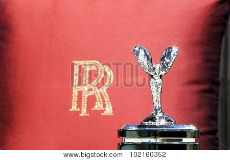Logo Of Royce Luxury Car And Red  Satin Backrest Pillow With Logo Rr
