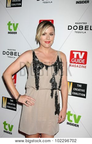 LOS ANGELES - SEP 18:  Kathleen Robertson at the TV Industry Advocacy Awards Gala at the Sunset Tower Hotel on September 18, 2015 in West Hollywood, CA