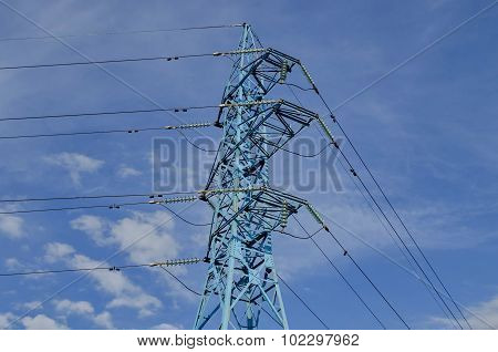 Upper part of electric power transmission line