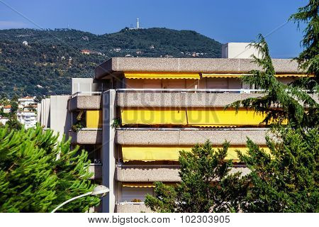 New Apartments And Old Villas In Nice
