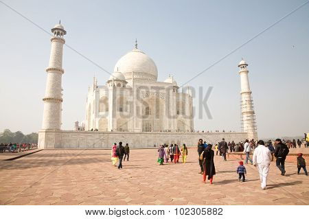 Visitors Of Taj Mahal, India