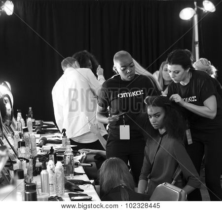 Desigual - Spring 2016 Collection - Backstage