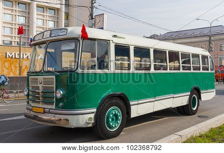 Old Bus Zil-158