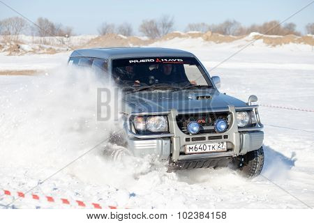 Khabarovsk, Russia - January 31, 2015: Old Mitsubishi Pajero During Off Road Winter Sprint Race