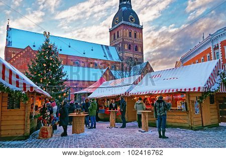 Hristmas Market At Dome Square In Old Riga (litvia).