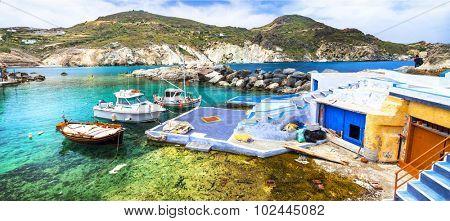 colors of Greece - traditional fishing village Mandrakia, Milos