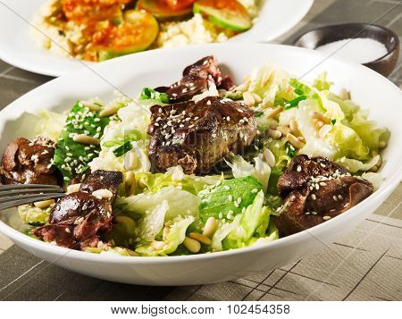 Salad With Iceberg And Baked Chicken Livers